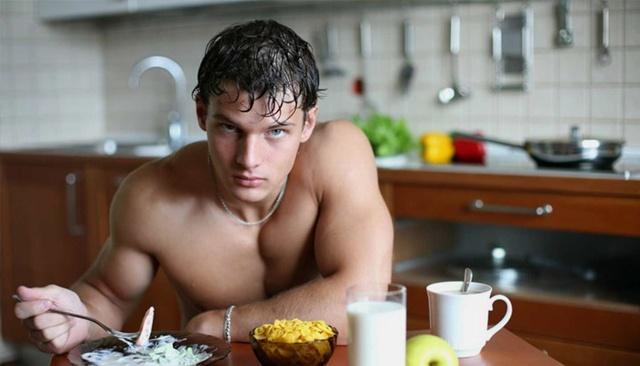 Как набрать мышечную массу в домашних условиях: программа тренировок и рекомендации для мужчин