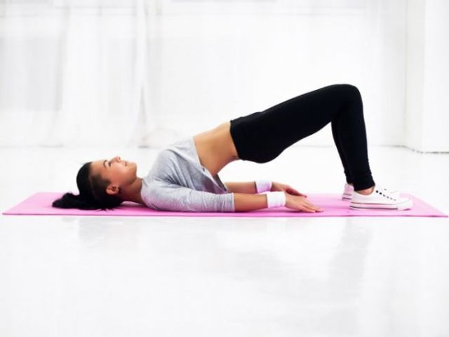 Как накачать попу за 1 неделю: упражнения для дома на 7 дней