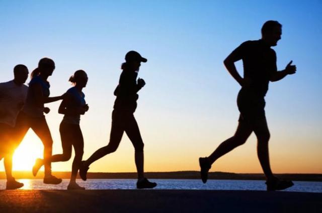 Бег трусцой (джоггинг): техника, польза и вред, влияние на похудение