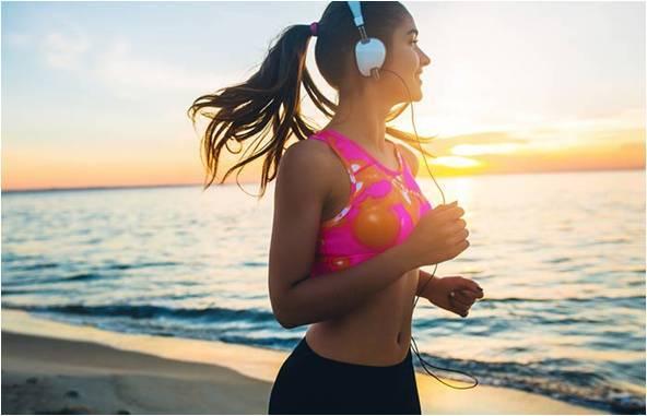 Как уменьшить грудь девушке - рекомендации для визуального уменьшения грудных желез и упражнения в домашних условиях