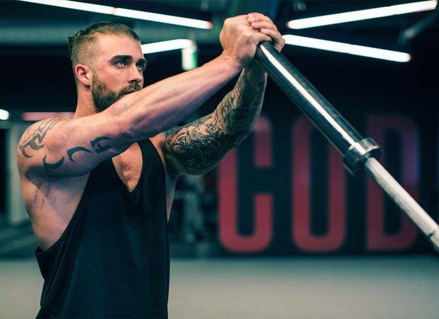 Упражнения для грудных мышц мужчинам в тренажерном зале: как накачать грудь в спортзале