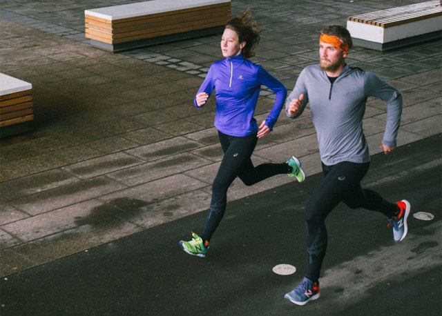 Одежда для бега мужская и женская: в чем бегать осенью, зимой, весной и летом
