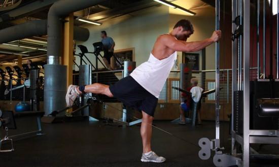 Как накачать ягодицы мужчине: силовые упражнения для дома и зала