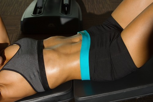 Как накачать нижний пресс: лучшие упражнения на нижнюю часть живота для девушек и мужчин