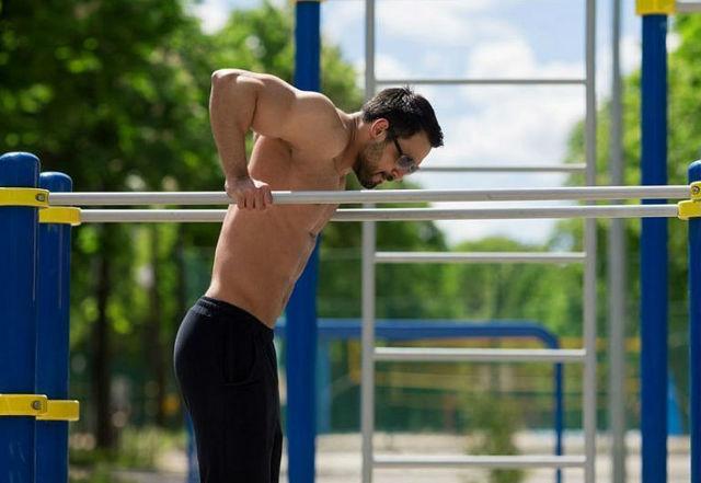 Как накачать руки в домашних условиях: топ 6 упражнений для мужчин