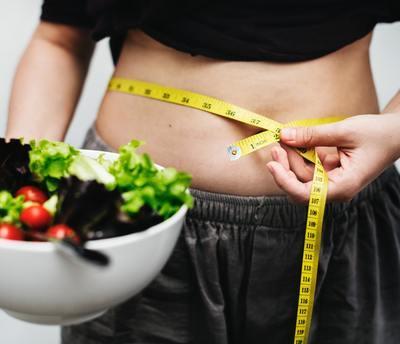Как убрать живот и бока женщине – причины появления, советы по питанию и комплекс упражнений