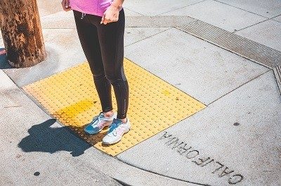 Упражнения на ноги для девушек: как накачать ноги девушке в домашних условиях