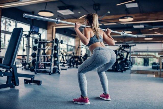 Топ 6 упражнений для ягодиц и бедер: эффективная тренировка для попы и ног