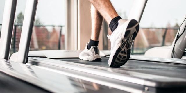 Беговая дорожка для похудения: как правильно бегать, ходить и заниматься на тренажере